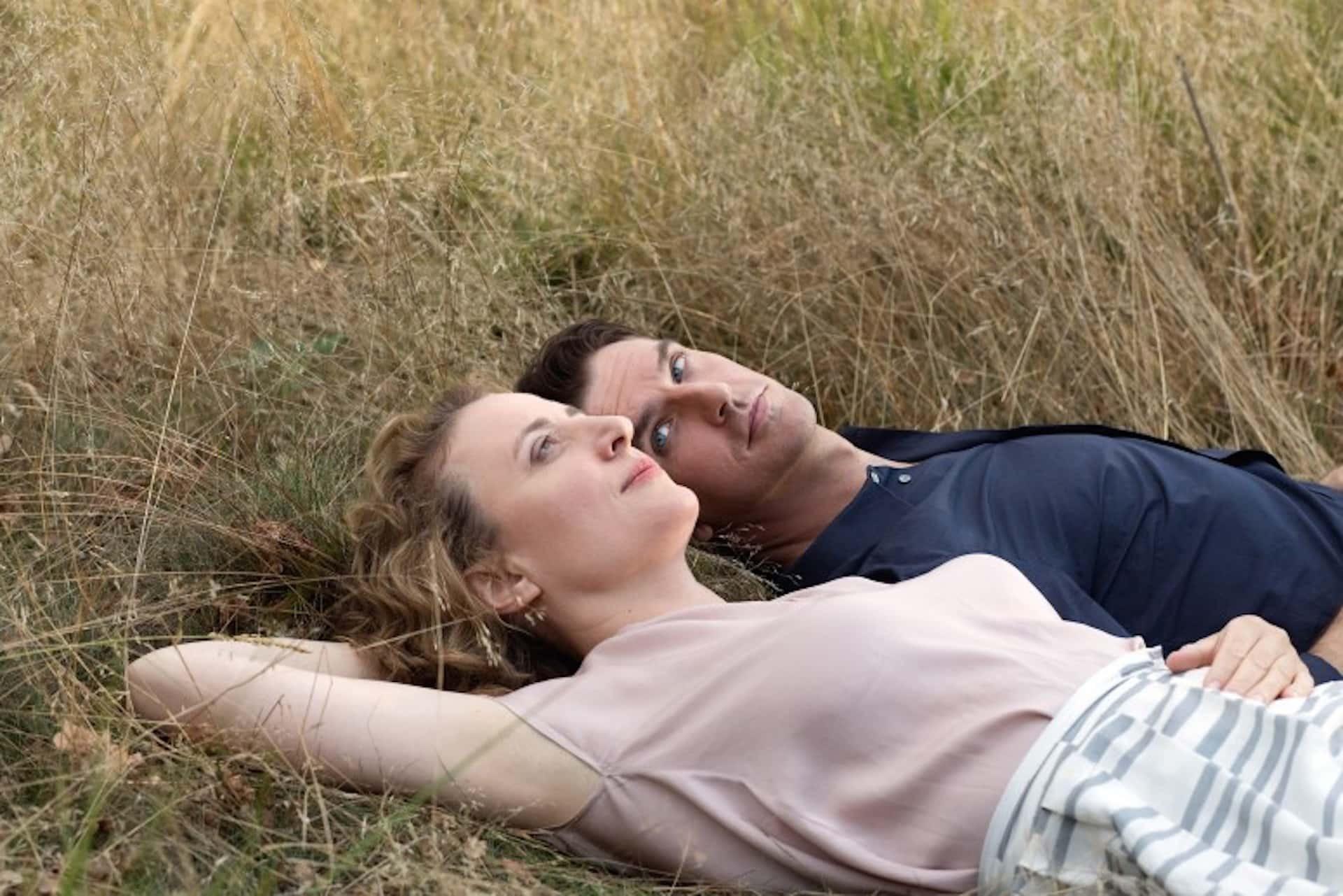 I'm your man (2021), amore e fantascienza: la recensione del film di Maria Schrader con Dan Stevens