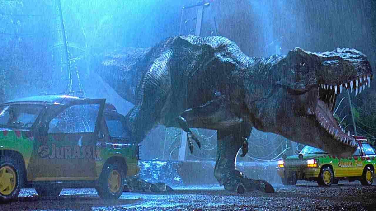 Godzilla vs Kong (2021), la recensione: l'attesissimo scontro tra due giganti del cinema di genere